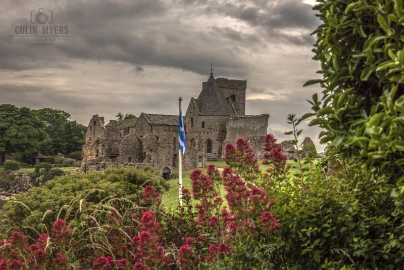 29 Inchcolm Abbey & Saltire